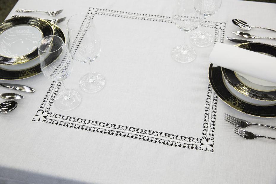 السفرة طاولة اغطية - مفرش TC18  - آمور